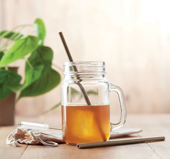 Metal straws – enjoy a drink with reusable straws